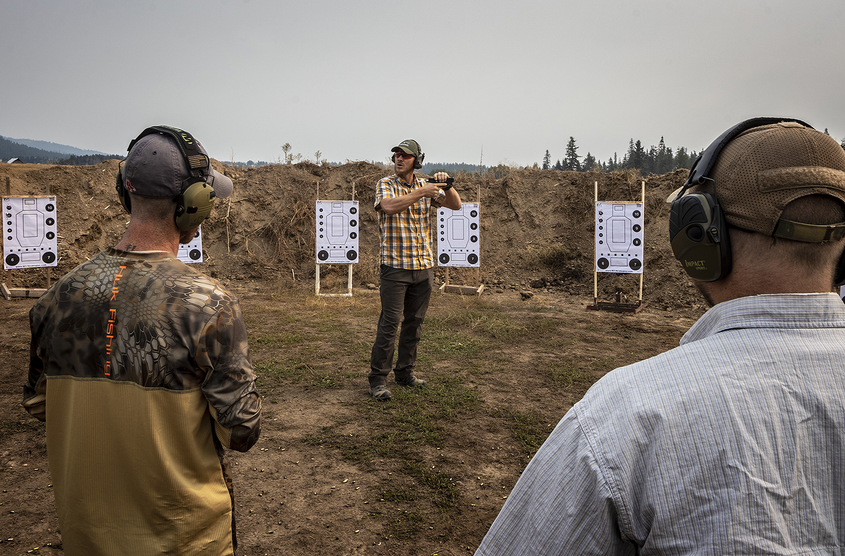 Bill Rapier instructs students at Amtac Shooting course
