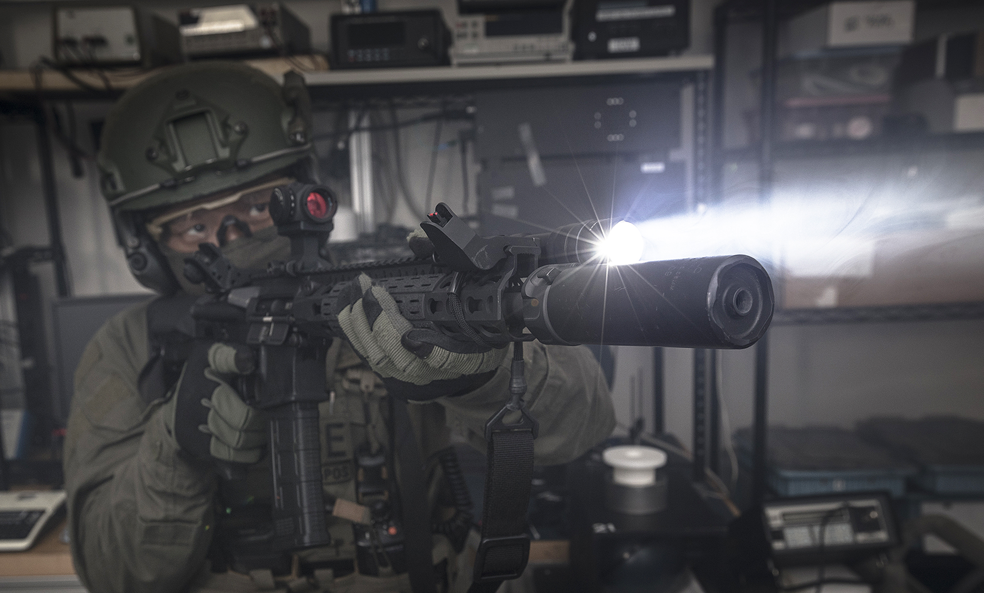 SureFire M600DF WeaponLight used by SWAT
