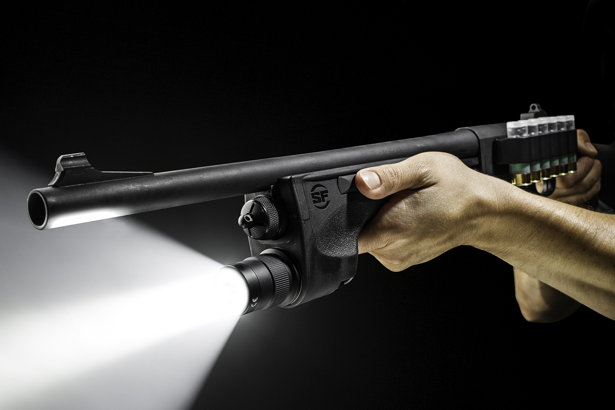 SureFire DSF-870 shotgun forend WeaponLight in use