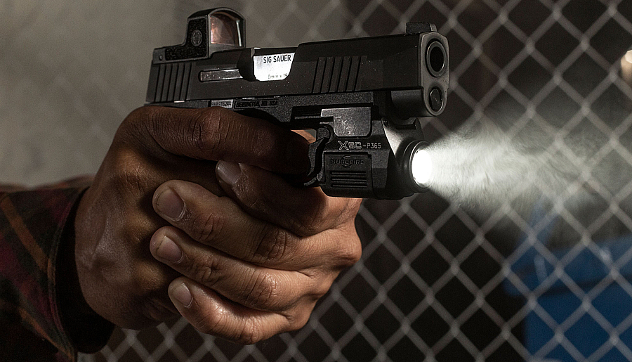 The SureFire XSCThe World's First Duty-Grade Micro-Compact WeaponLight