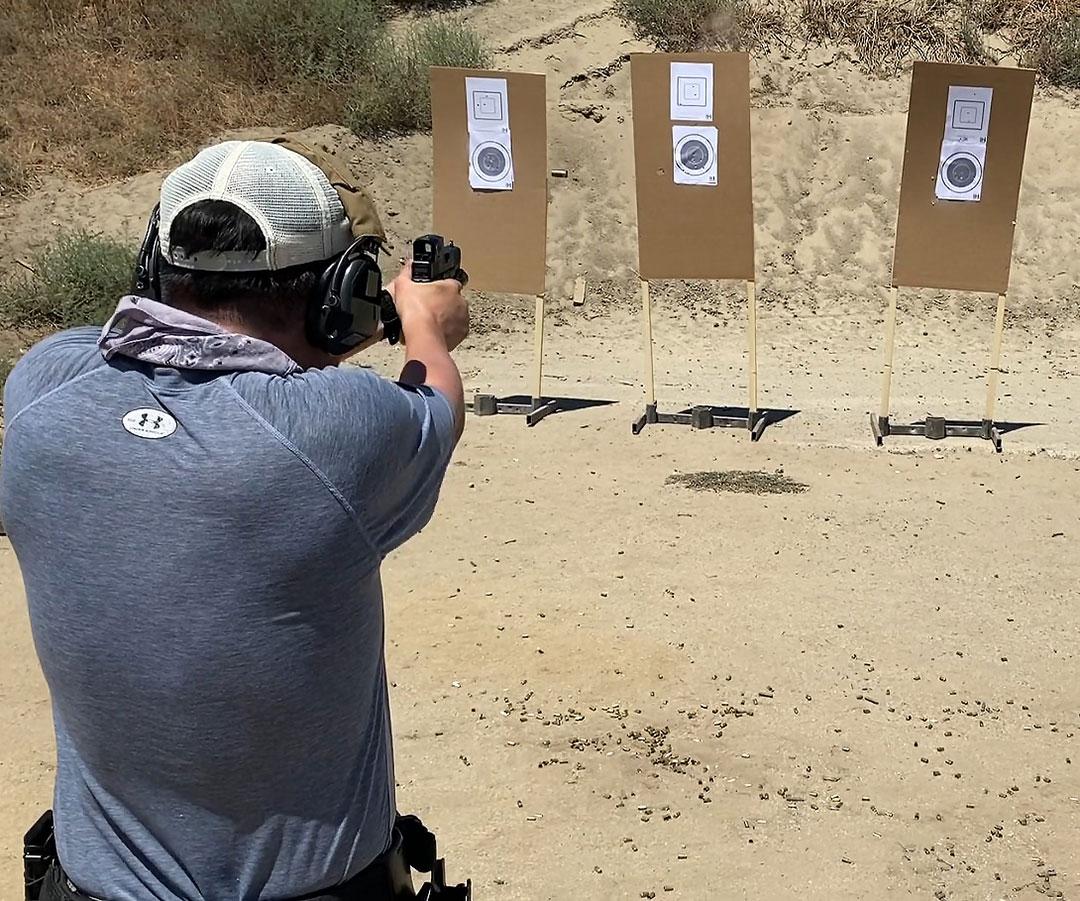 Steve Schwier at 10-8 Perfornance Red Dot Optics course