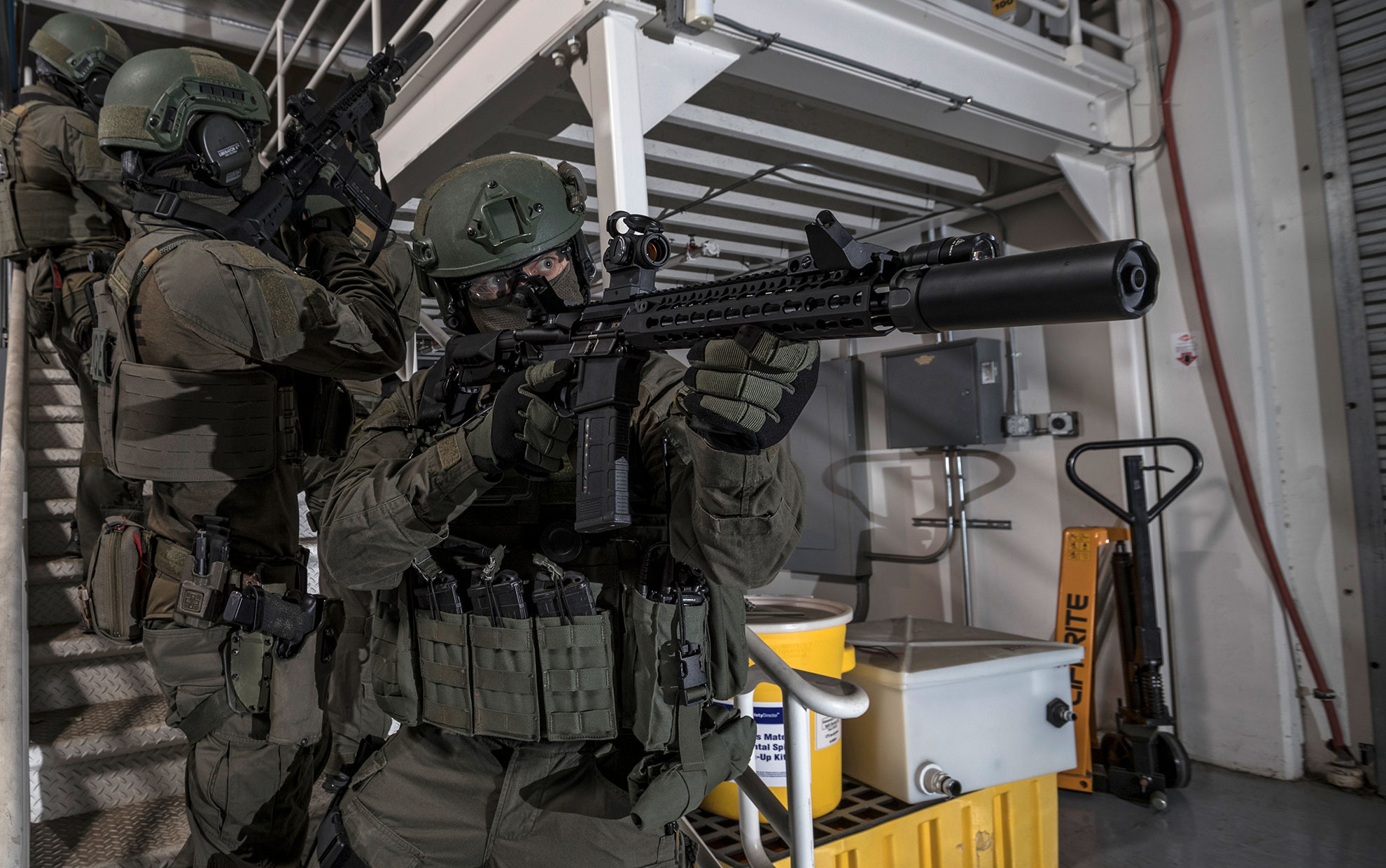 SWAT team members use Dueck Defense Rapid Transition Sights